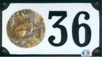 Numéro de rue décoré émaillé : Ecureuil