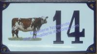 Numéro de rue décoré émaillé : Vache normande