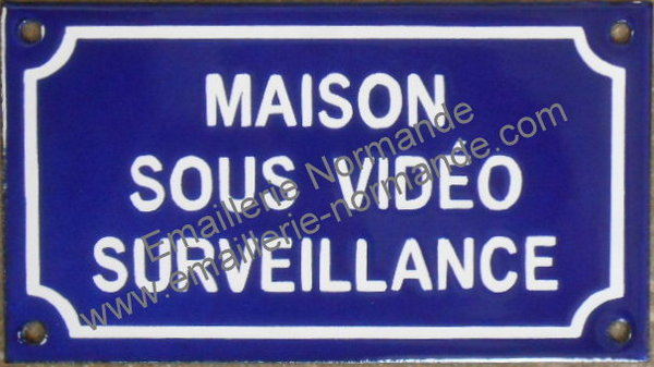 panneau pancarte plaque acier maill humoristique maison sous video surveillance prevention. Black Bedroom Furniture Sets. Home Design Ideas